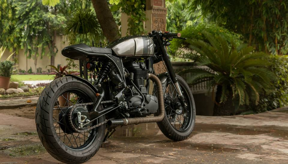 Royal-Enfield-Thunderbird-500-cafe-racer-by-Rajputana-Customs-rear-three-quarter-right-cover.jpg