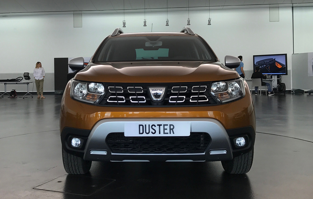 2018-Dacia-Duster-2018-Renault-Duster-front.jpg