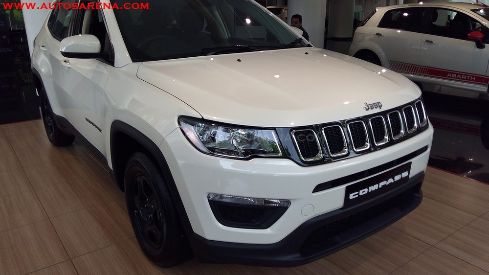 Jeep-Compass-SPORT-base-variant-25.jpg