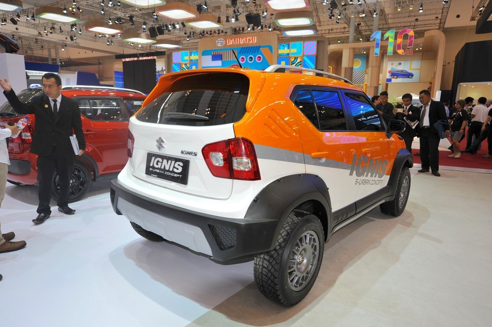 Maruti-Suzuki-Ignis-S-Urban-Concept-rear-three-quarter-2017-GIIAS-Live.jpg