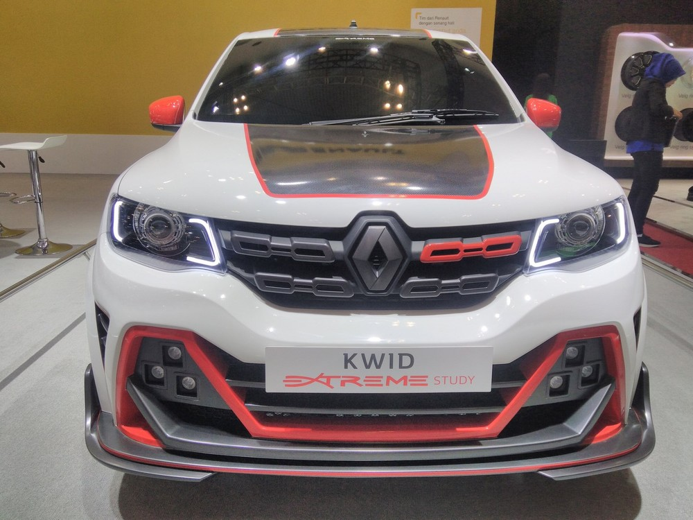 Renault-Kwid-Extreme-at-GIIAS-2017-front-view.jpg