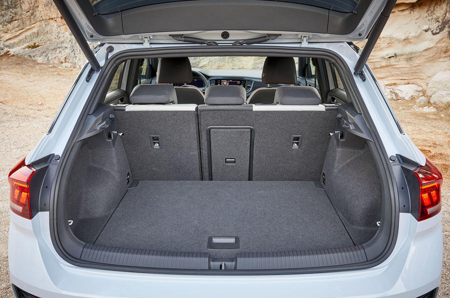 volkswagen-t-roc-boot-space.jpg