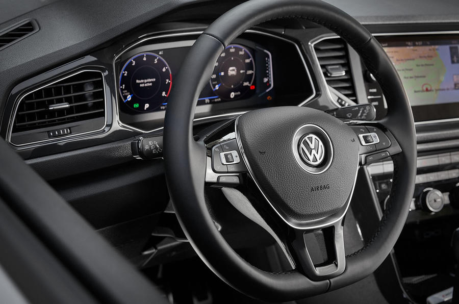volkswagen-t-roc-steering-wheel.jpg
