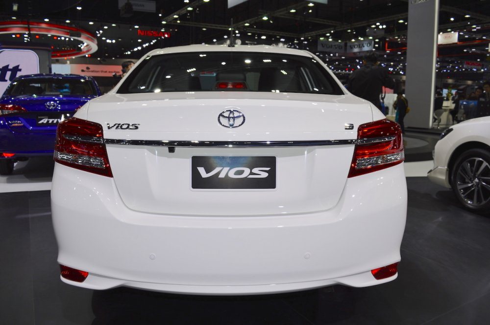 2017-Toyota-Vios-rear-at-2017-Thai-Motor-Expo.jpg