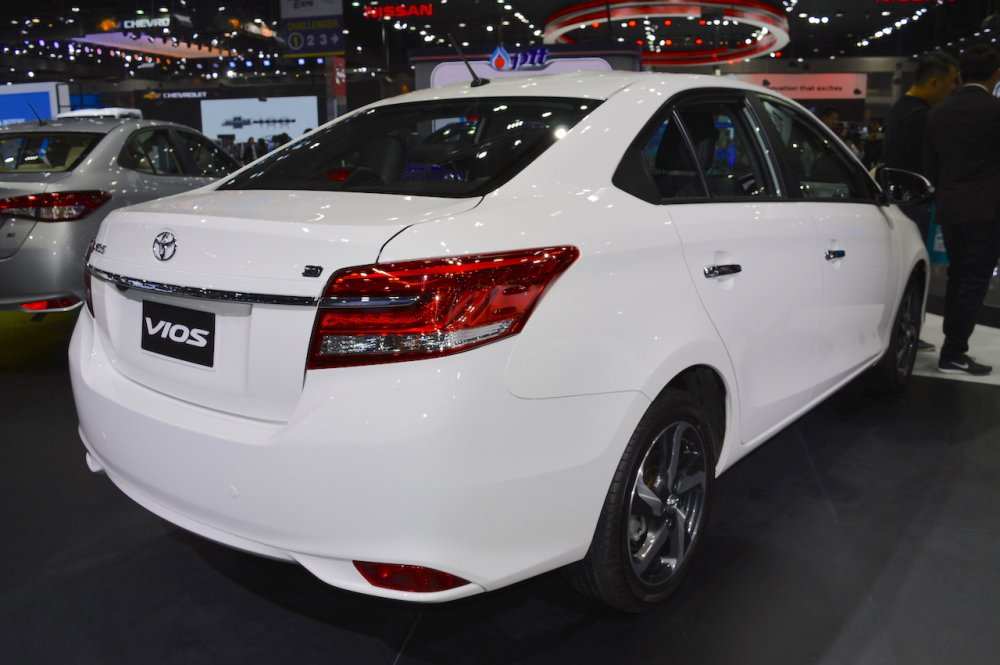 2017-Toyota-Vios-rear-three-quarters-right-side-at-2017-Thai-Motor-Expo.jpg