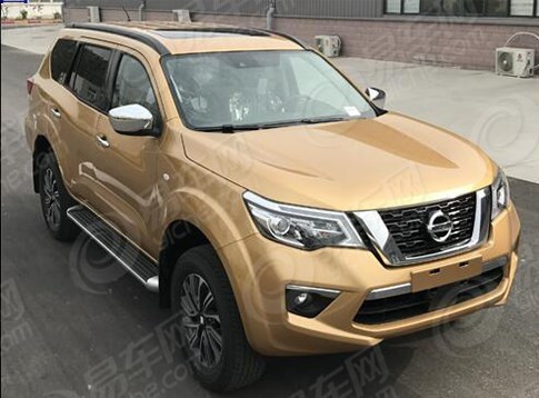 Nissan-Terra-Nissan-Navara-based-front-three-quarters-spy-shot.jpg