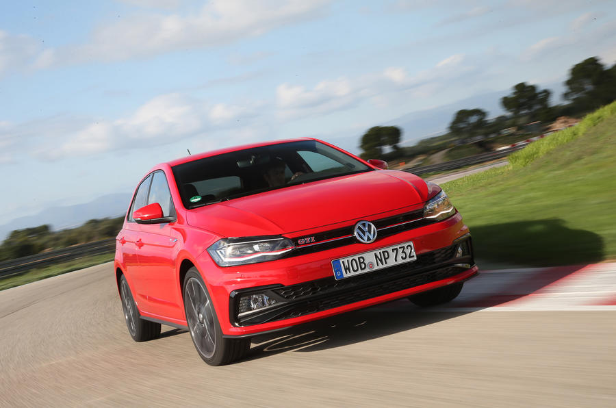 volkswagen-polo-gti-on-the-track.jpg