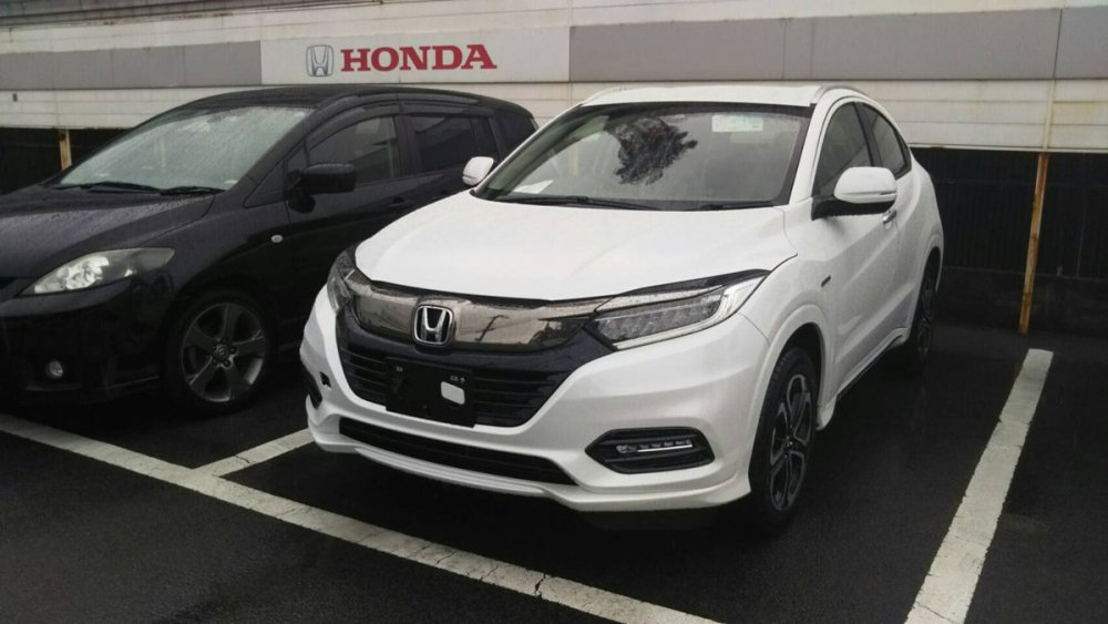 2018-Honda-Vezel-2018-Honda-HR-V-front-three-quarters-left-side.jpg
