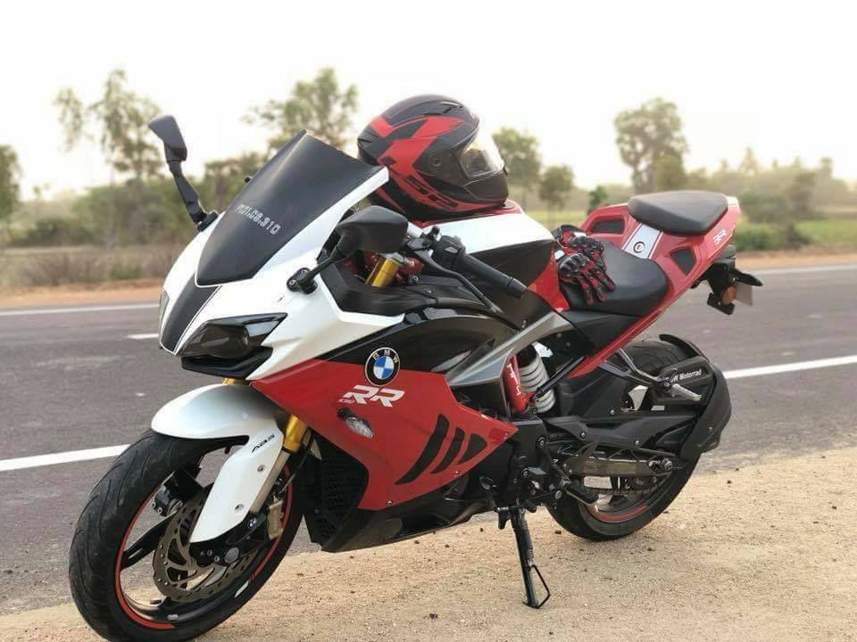 TVS-Apache-RR-310-with-BMW-S-1000-RR-livery-front-angle.jpg