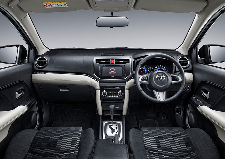 2018-Toyota-Rush-interior-dashboard.jpeg