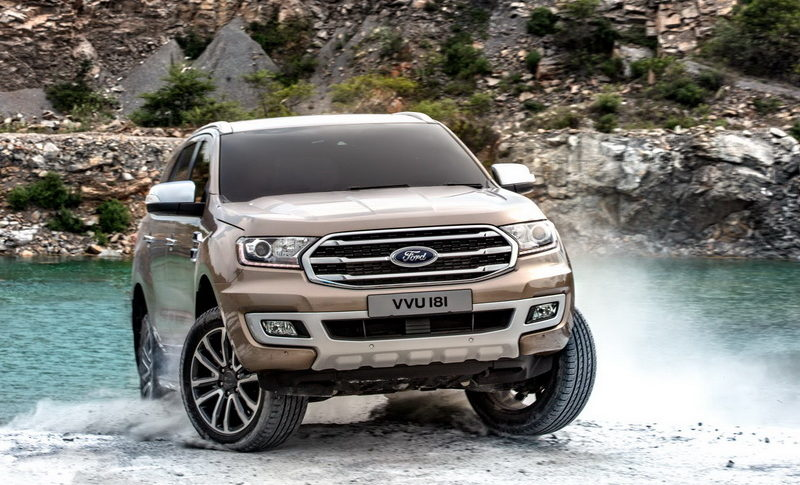 Facelifted-Ford-Everest-Facelifted-Ford-Endeavour-front-three-quarters-off-roading.jpg