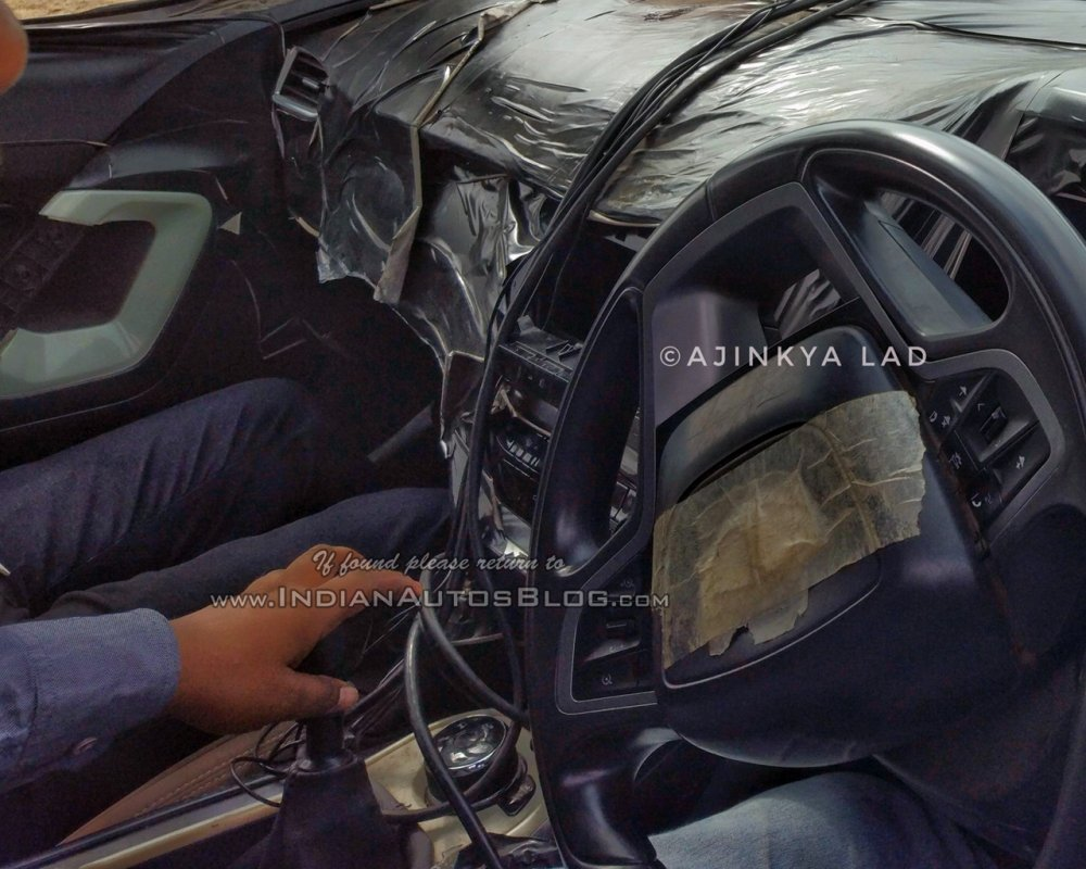 Tata-Harrier-dashboard-spied.jpg