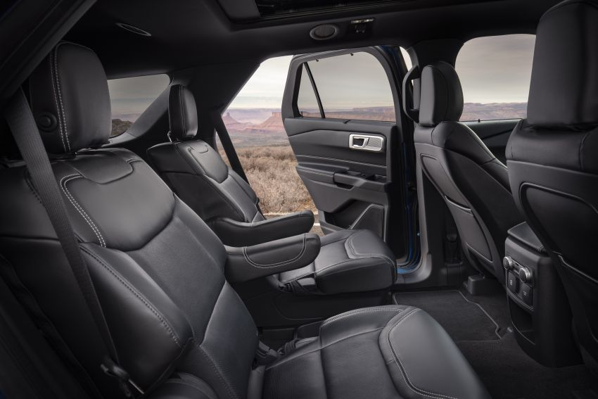22-Ford-Explorer-Interior-850x567.jpg