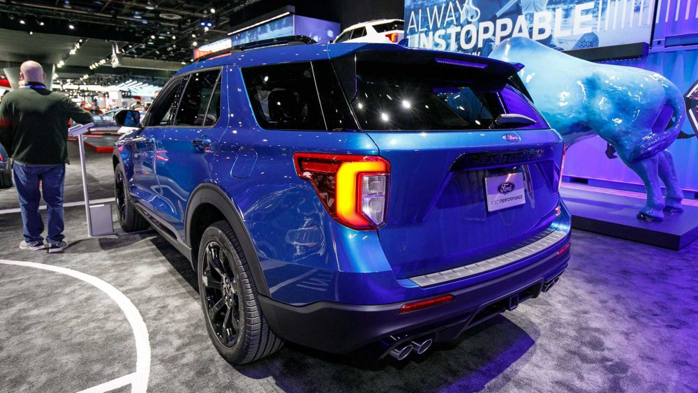 2020-ford-explorer-st (2).jpg