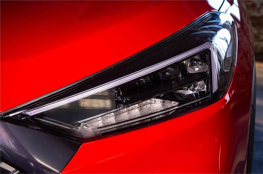 1_578_872_0_70_http___cdni.autocarindia.com_Galleries_20190322102604_97-hyundai-tucson-n-line-2019-reveal-headlights.jpg
