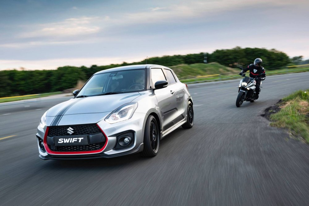 2269ce47-2019-suzuki-swift-sport-katana-limited-edition-2.jpeg