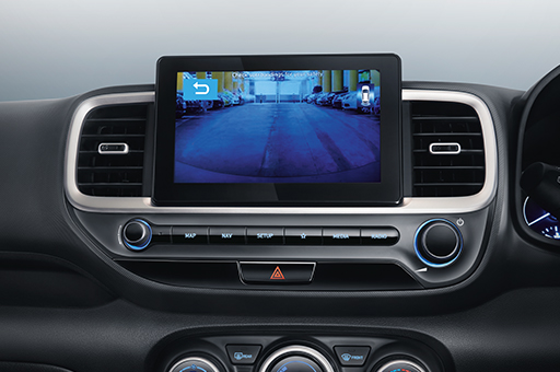 Hyundai_VENUE_SUV_Interior_bottom_PC_512x340_5_driver-rear-view-monitor.jpg
