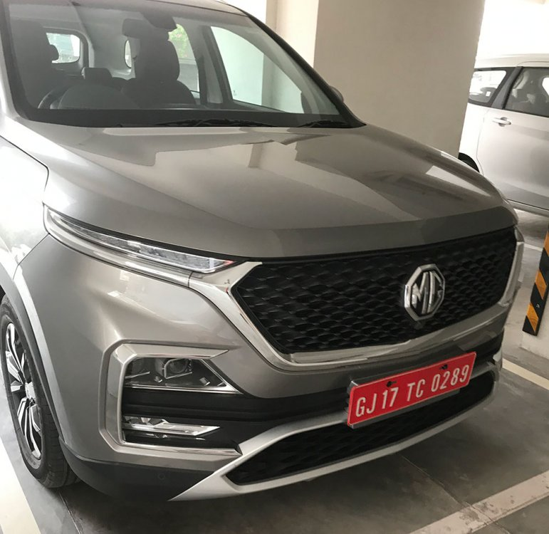MG-Hector-Silver-Color-Front-Grille.jpg
