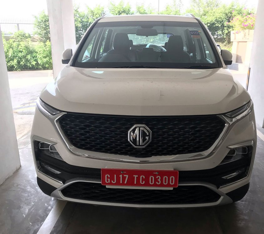 MG-Hector-White-Color-Front-Grille-Photo-3.jpg