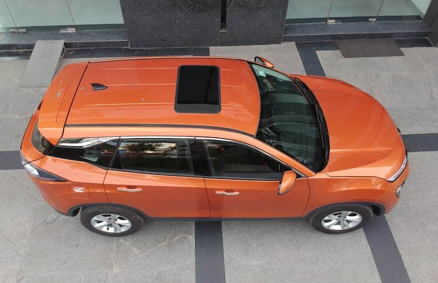 tata-Harrier-Sunroof.jpg