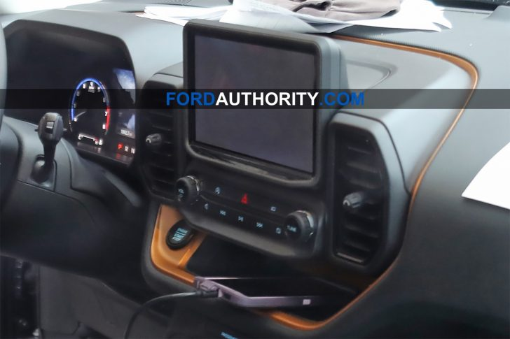 2021-Ford-Bronco-Sport-Interior-Spy-Shots-April-2020-002-728x485.jpg