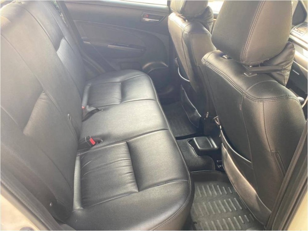 Interior Rear Seats.jpg