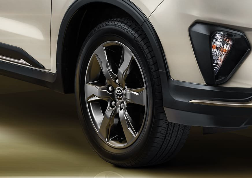 Premium-Dark-Gray-Alloy-Wheel.jpg