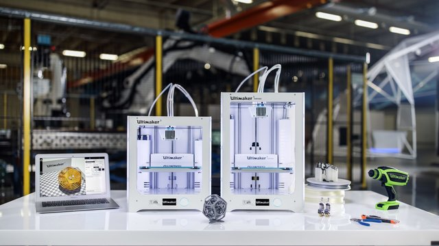 Ultimaker-3-Content-photo-03-1-1920x1080.thumb.jpg.d8913b1f0885c5f7a6ba7bfe8f0c872c.jpg