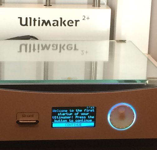 ultimaker_start_up.thumb.jpg.29bfaa327a8d61cc76684ffa75e37b7d.jpg