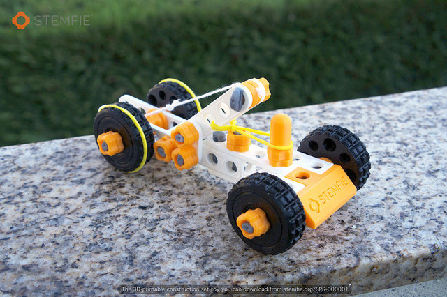 STEMFIE - 3D-printable rubber band-driven toy car - Main - SPS-000001 - stemfie.org.jpg