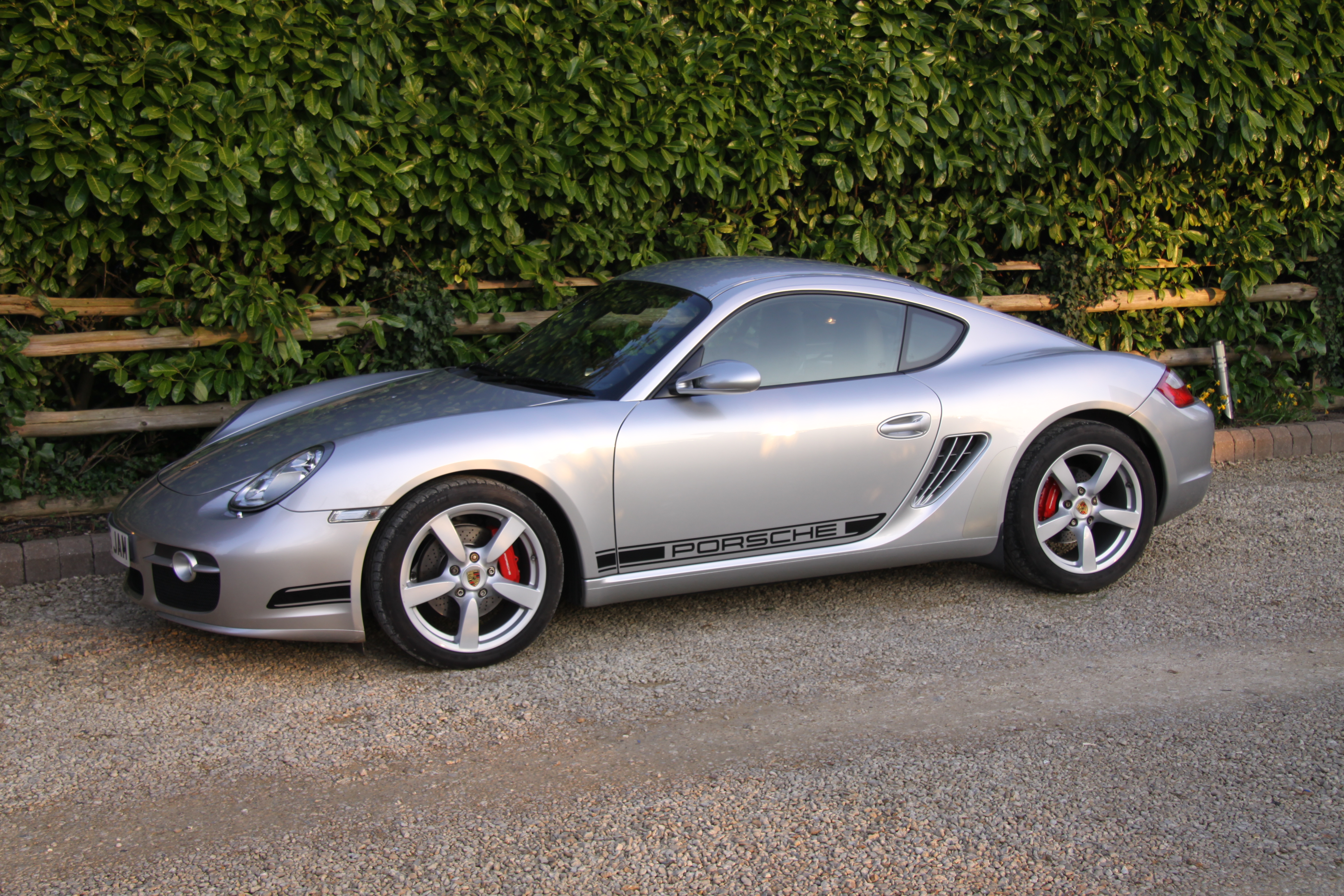 Side decals on a 981? Cayman R Style? Yes/No? - 981 Cayman ...