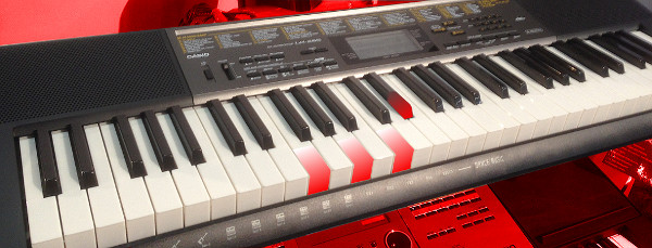 premium selection df382 bec34 NAMM Expert PreView - Casio LK-365 Keyboard - Keyboards and ...